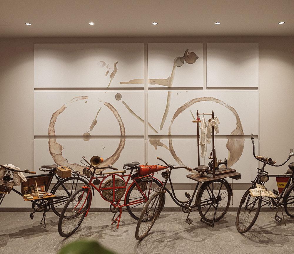 Hotel Grof, razstava koles